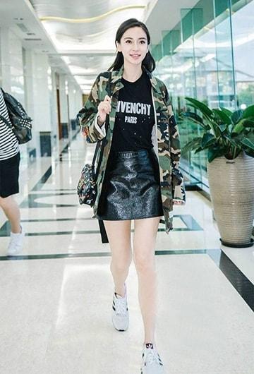 Sao Hoa ngữ sành điệu với áo thun - Hình ảnh 4