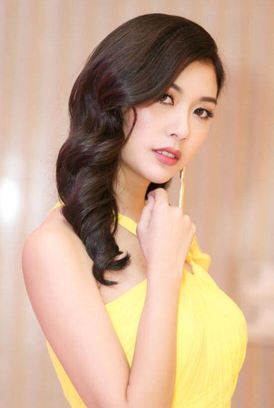 Thúy Vân đẹp lộng lẫy tại sự kiện nữ doanh nhân quốc tế - Hình ảnh 6