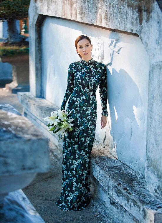 Hoa hậu Thu Hoài diện áo dài in hoa của Công Trí - Hình ảnh 8