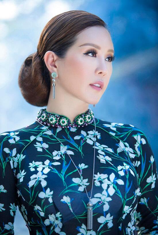 Hoa hậu Thu Hoài diện áo dài in hoa của Công Trí - Hình ảnh 9