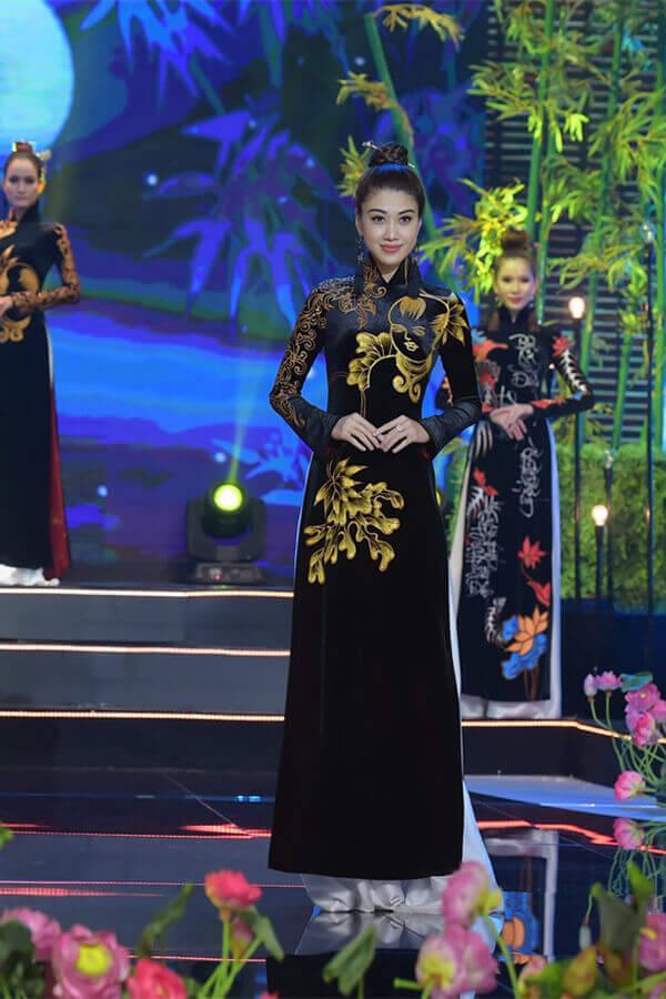 Người mẫu teen Bảo Nguyên mở màn bộ sưu tập áo dài Vũ điệu Đông Hồ - Hình ảnh 7