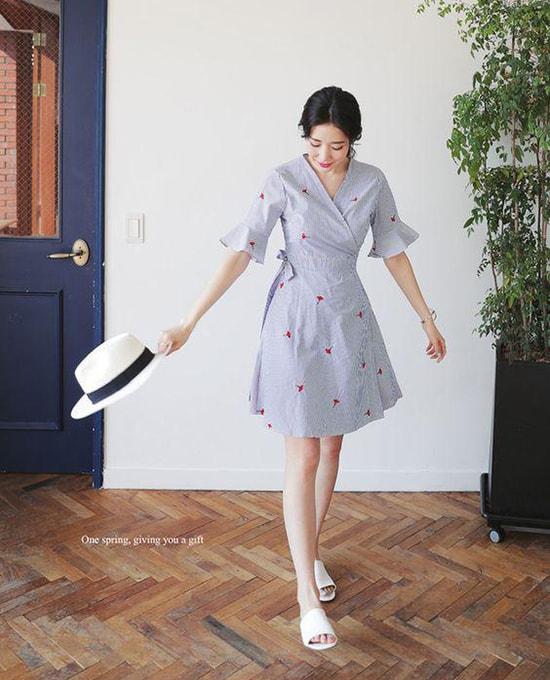 Bí quyết mặc váy giữ dáng cho các nàng tăng cân dịp Tết - Hình ảnh 12
