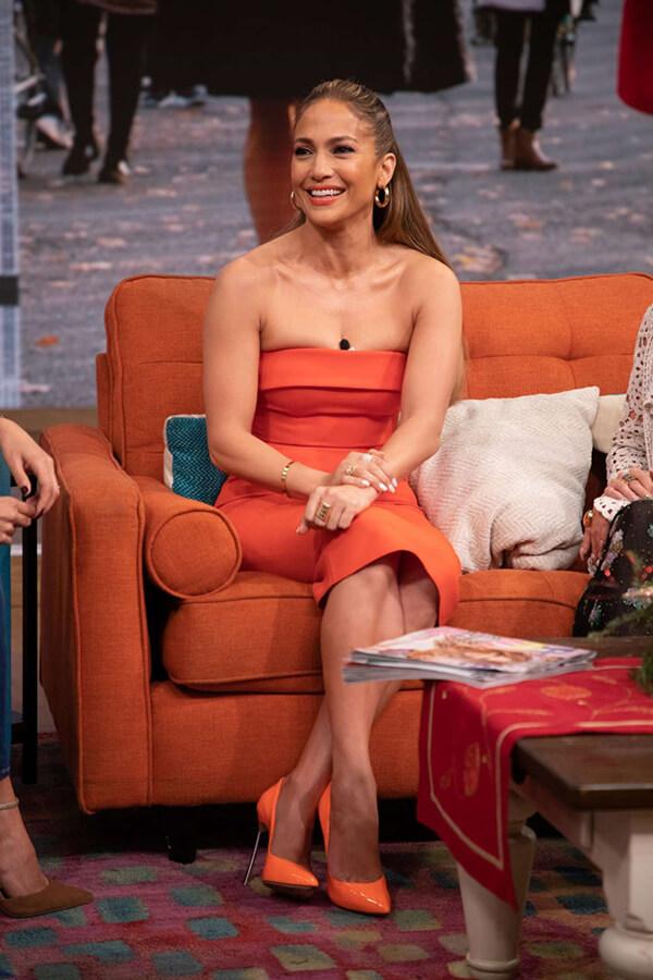 Nữ diễn viên kiêm ca sĩ diện bộ cánh này khi quay chương trình Despierta America vừa qua.
