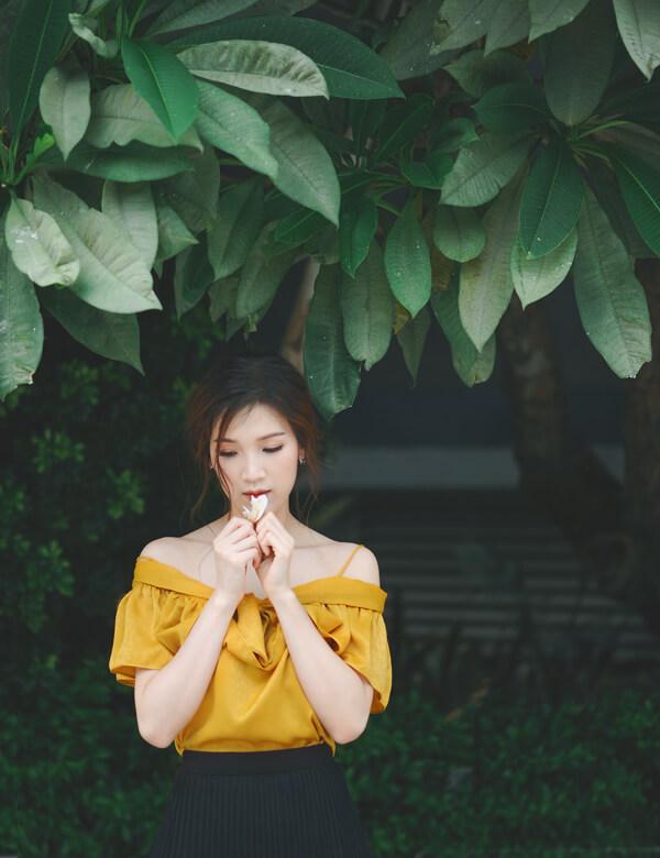 Mrs Áo Dài 2018 Phí Thị Thùy Linh dịu dàng với đầm in họa tiết hoa - Hình ảnh 5