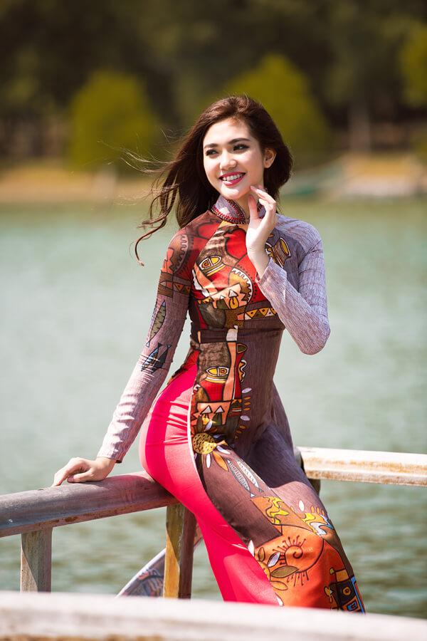 Khả Trang cùng dàn mẫu diện áo dài tôn vinh vẻ đẹp phụ nữ Việt - Hình ảnh 4