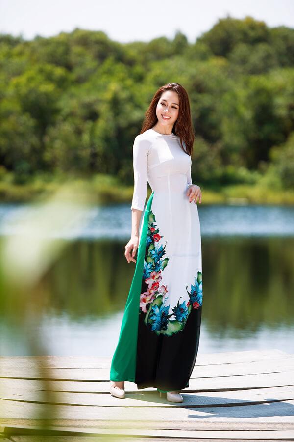 Khả Trang cùng dàn mẫu diện áo dài tôn vinh vẻ đẹp phụ nữ Việt - Hình ảnh 7