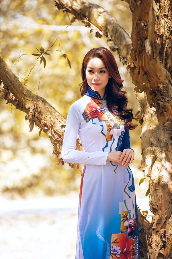 Khả Trang cùng dàn mẫu diện áo dài tôn vinh vẻ đẹp phụ nữ Việt - Hình ảnh 8