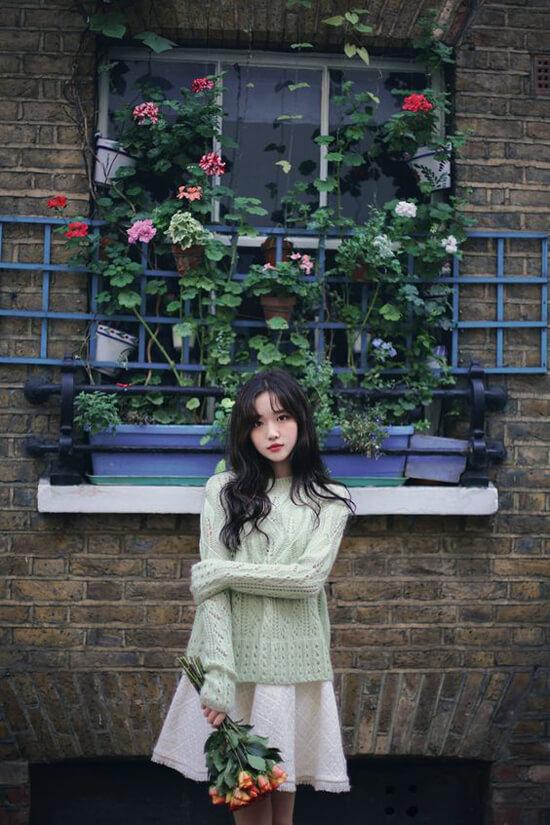 Áo len dài tay cũng là trang phục hữu dụng trong mùa se lạnh
