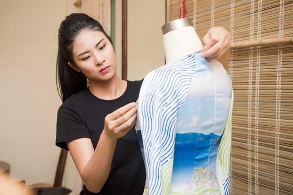 Ngọc Hân chuẩn bị cho đêm trình diễn áo dài tại trụ sở UNESCO - Hình ảnh 11