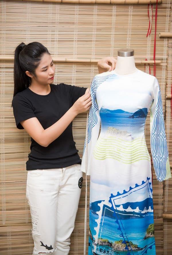Ngọc Hân chuẩn bị cho đêm trình diễn áo dài tại trụ sở UNESCO - Hình ảnh 12