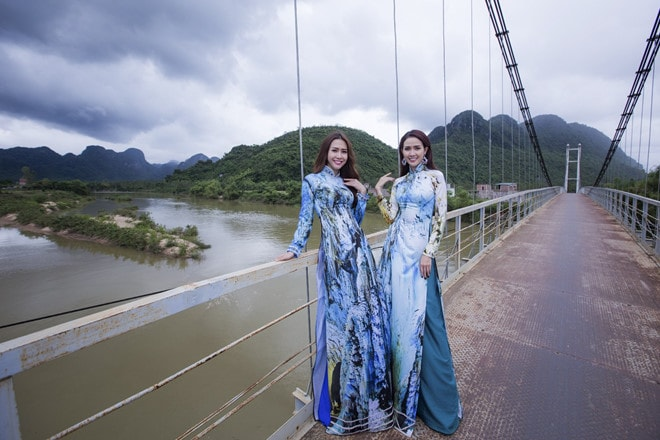 Trình diễn áo dài tại Liên hoan phim Việt Nam lần thứ 20