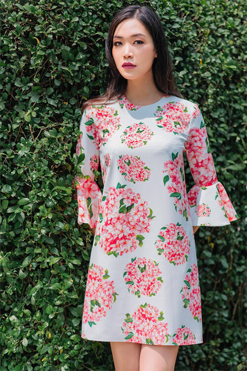 Hoa hậu Thùy Dung đẹp dịu dàng với váy in hoa - Hình ảnh 6