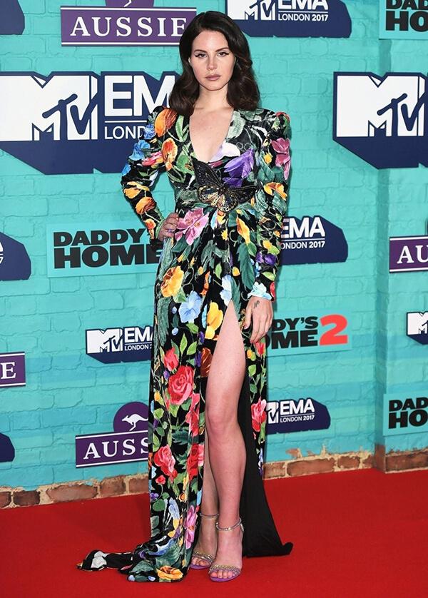 Top 10 bộ váy hoa nổi bật trên thảm đỏ Hollywood - Hình ảnh 2