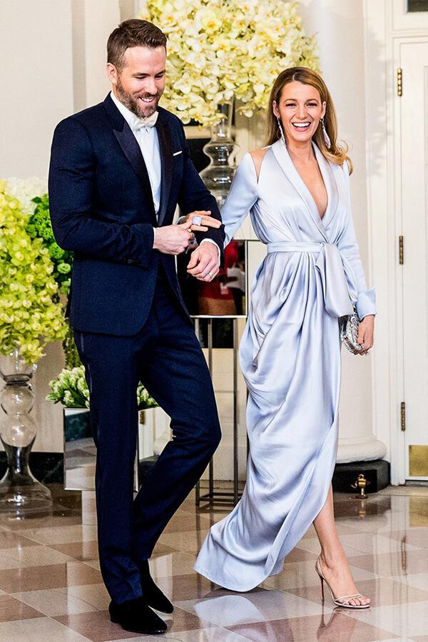 Blake Lively lựa chọn thiết kế đầm xanh lơ duyên dáng khi cùng Ryan Reynolds dự bữa tiệc tháng 3/2016 để gặp Thủ tướng Canada