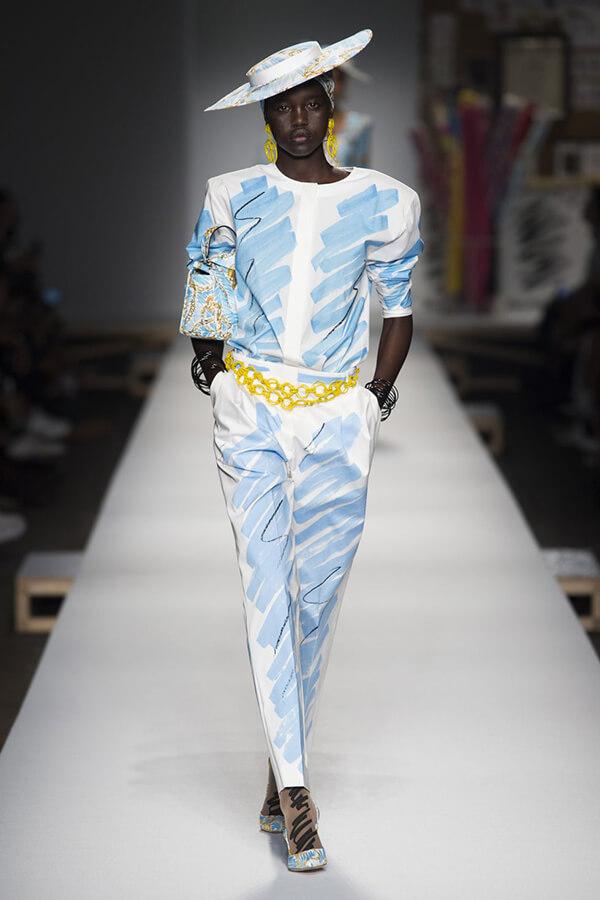 Thiết kế của Moschino trong BST Xuân – Hè 2019