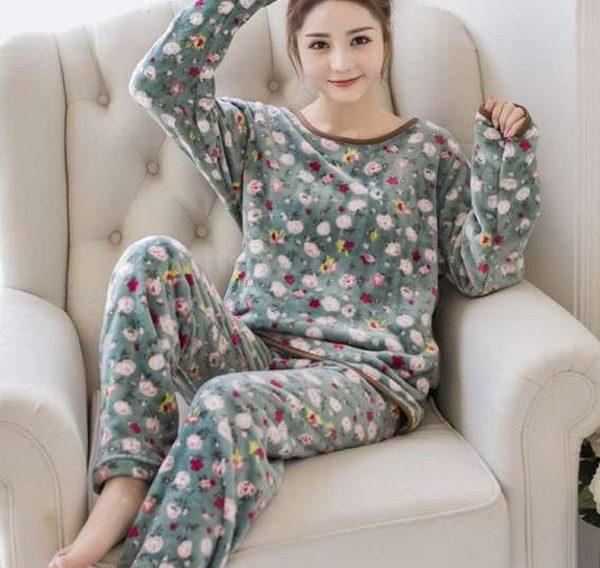 Quần áo được làm từ vải nỉ có độ mềm mại và khả năng giữ ấm cao